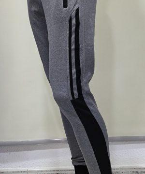 Pantalón chándal gris claro raya negra